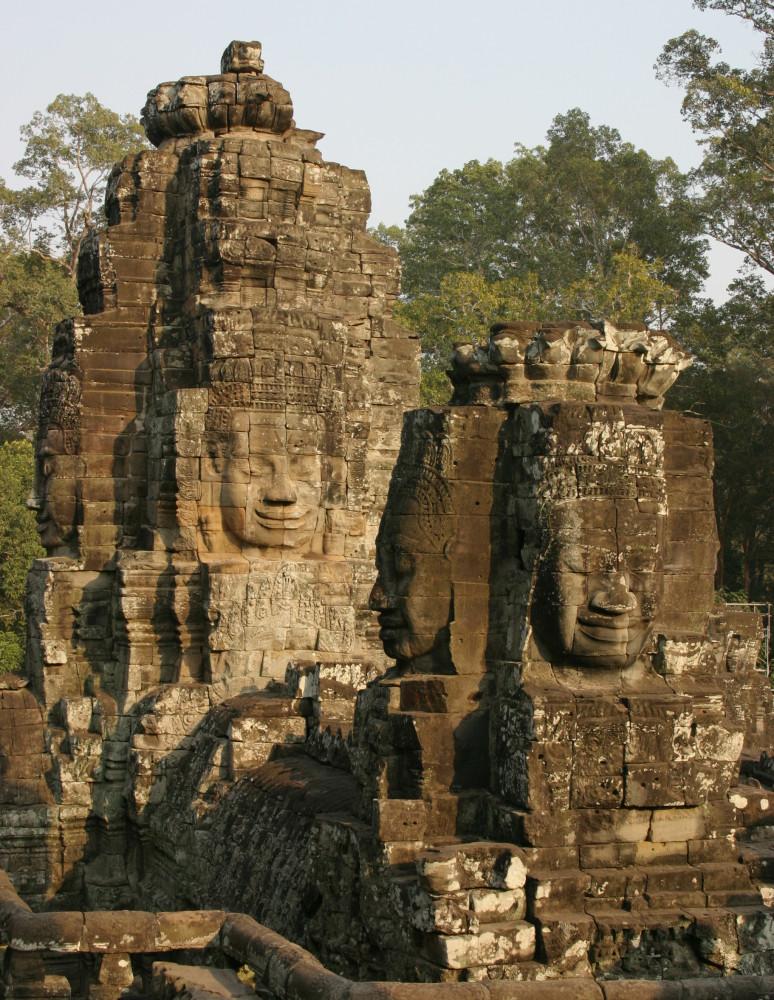 https://rietberg.fluxguide.com/fluxguide/Faces of the Bodhisattva Lokeshvara, Bayon temple complex, Cambodia